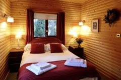 cabin-bedroom
