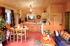cabin-main-room-xmas