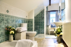 cottage-lower-bathroom