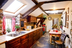 cottage-kitchen-xmas
