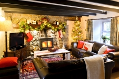 Cottage lounge xmas
